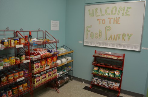 The food bank is well organized and has important necessities for the average student. (Karoline Curcin/The Siskiyou)