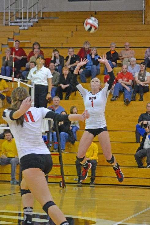 Lauren McGowne and two raider earn CCC all-conference team. (Photo Cred: Miranda Stiles/The Siskiyou)