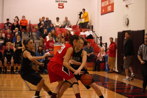 SOU Womans Basketball. (The Siskiyou/Kelsi Fasano)